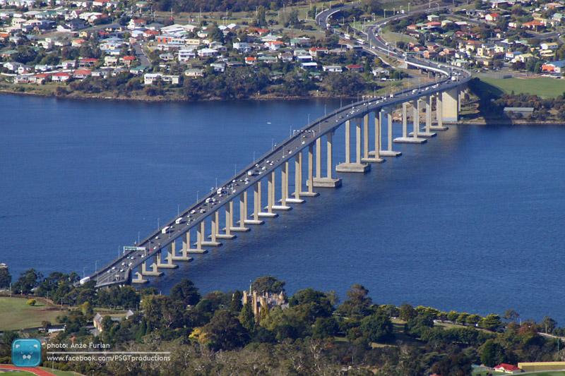 Tasman bridge kot ga vidimo iz Mount Wellingtona